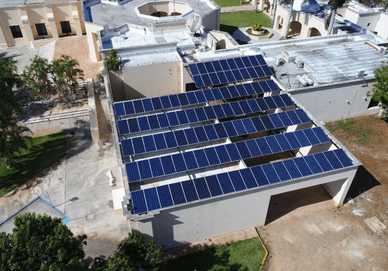 paneles solares comerciales