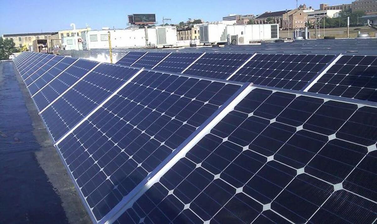 Los beneficios de la energía solar puedes aprovecharlos hoy mismo