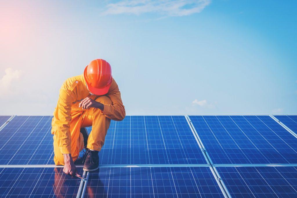 Descubre cuál es el medidor ideal después de la instalación de los paneles solares
