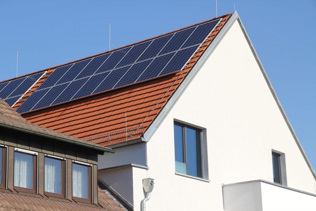 Olvídate de la tarifa DAC usando paneles solares