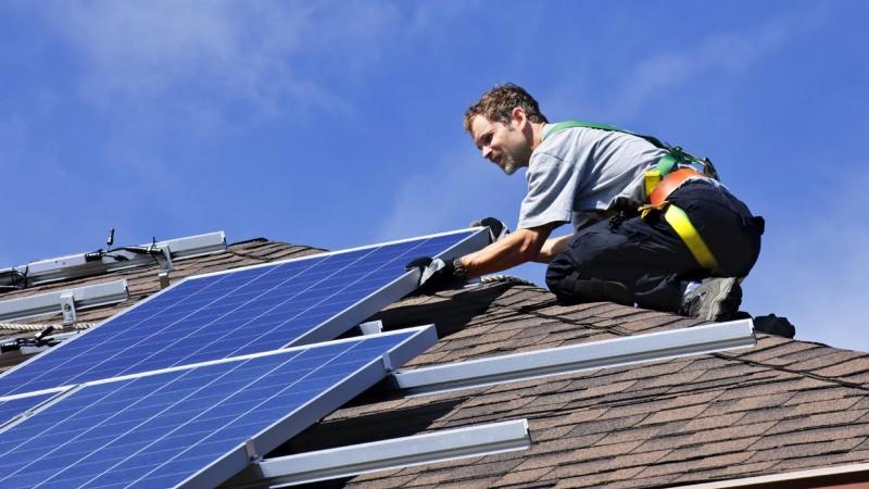 Cómo deducir los impuestos de los paneles solares ante el SAT