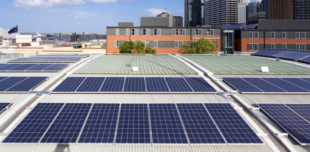 Ventajas de los paneles solares fotovoltaicos en casas y oficinas