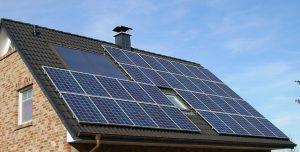 5 beneficios económicos de los paneles solares- plusvalía