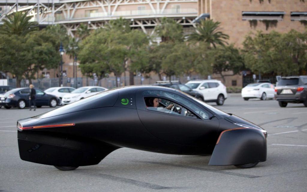 Aptera coche eléctrico con paneles solares fotovoltaicos