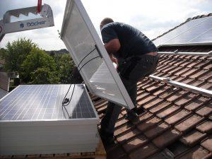 instalación de paneles solares en techos