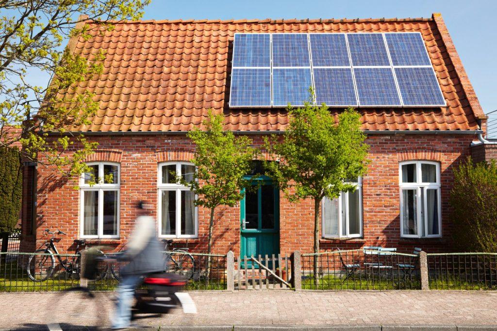 ¿Cuánto mantenimiento requieren los paneles? - Suncore