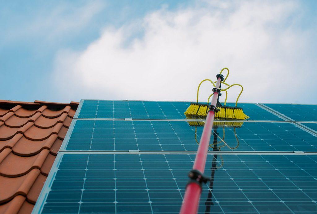 ¿Cuánto tiempo puede durar un panel solar con buen mantenimiento? - Suncore